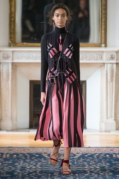 Valentino - Spring 2017 Ready-to-Wear