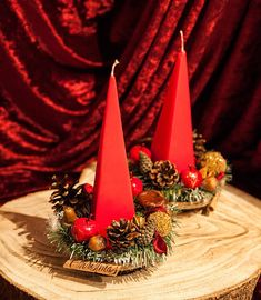 Candle Arrangements, Candle Centerpieces, Christmas Gift For You, Christmas Home, Red Candle Holders, Green Garland, Red Candles, Xmas Decorations, Make It Yourself