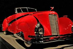 1937 Cadillac V16 Hartmann Cabriolet - front end