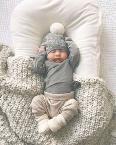 Baby Outfits, Outfits Niños, Cute Kids, Cute Babies, Silikon Baby, Foto Baby, Cute Baby Pictures, Beautiful Pictures, Baby Arrival