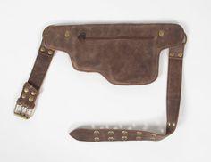 8b3fdc6cca85 Cette ceinture d utilité Bombardier belle veste marron en cuir et de laiton  antique matériel