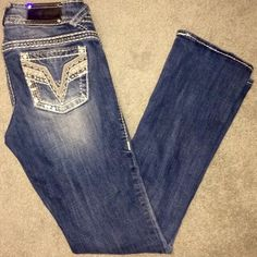 Vigoss jeans!! Size 1/2 Vigoss jeans, slim boot, size 1/2, length 33. Great condition! Vigoss Jeans Boot Cut