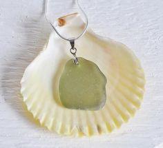 Beach Candy Beach Candy, Glass Pendants, Pendant Necklace, Jewelry, Jewlery, Bijoux, Jewerly, Jewelery, Drop Necklace