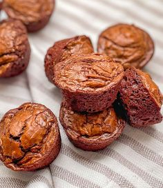Fudgy Chocolate Brownie Bites - Barefoot In The Pines Best Brownies, Chocolate Brownies, Delicious Desserts, Dessert Recipes, Yummy Food, Dessert From Scratch, Mini Muffin Pan, Brownie Bites, Mini Muffins
