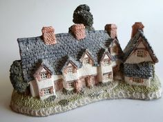 David Winter Cottage Figurine Knick Knack by AllVintageKnickKnack, $14.95