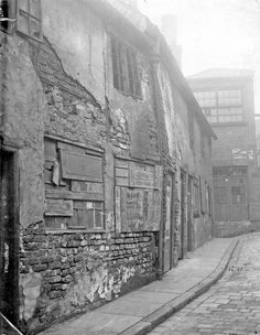 Derelict housing on Scargill Croft looking towards Independent Printing Works Derelict House, Sources Of Iron, Industrial Development, Rust Belt, Industrial Architecture, South Yorkshire, Derbyshire, Sheffield, Old Photos