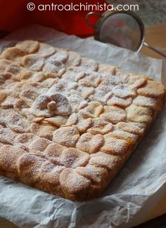Crostata all'Olio Extravergine d'Oliva con Confettura di Albicocche Coconut Flan, Biscuits, Beautiful Fruits, Italian Recipes, Food To Make, Cake Recipes, Deserts, Good Food, Food And Drink