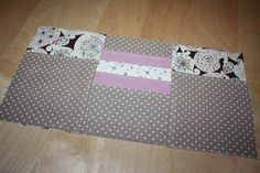 This tutorial is made available under the terms of the Creative Commons License: Paternity (quote author) – No Common Use. Diy Bags Purses, Couture Sewing, Purse Organization, Organizer, My Bags, Licence, Creative, Two Piece Skirt Set, Bons Plans