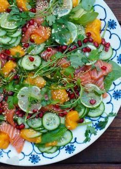 Sashimisalat med mangopuré Caprese Salad, Cobb Salad, Avocado Toast, Sushi, Cravings, Pizza, Breakfast, Mat, Food