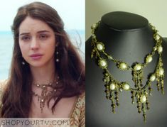 Mary Queen of Scots (Adelaide Kane) wears this layered white stone necklace in this episode of Reign. It is the Rhondi Rocks [...]