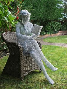 """The Reader"" wire sculpture by Derek Kinzett, Wiltshire, England (by Derek Kinzett Wire Sculptures)."