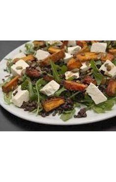 Lun salat med hokkaido og belugalinser