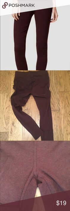 Loft Ponte Leggings Gently used Ponte Leggings from Loft. These can be easily dressed up or down. Thick stretch fabric. Great condition. Note these are petite! LOFT Pants Leggings