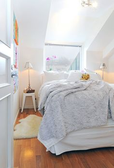 #slopedceiling #bedroom #kidsbedroom