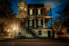 432 Abercorn Street - one of the most haunted houses in Savannah,