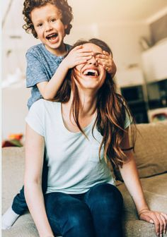 Five ways to fight Overwhelm - Your Modern Family Family Picture Poses, Family Posing, Family Portraits, Family Photos, Children Photography, Family Photography, Photography Poses, Mother Son Pictures, Poses Pour Photoshoot