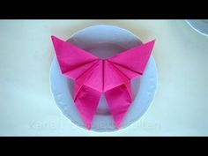 Napkin folding butterfly – How to fold napkins – Napkin folding for wedding – Tutorial – DIY - Servietten Simple Table Decorations, Decoration Table, Flower Tutorial, Diy Tutorial, Christmas Napkin Folding, Cloth Napkin Folding, Origami Butterfly, Wedding Napkins, Craft Gifts