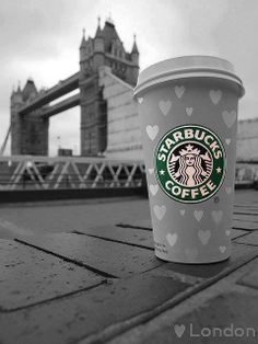 to of my favorite things starbucks and london Fuck Yeah Starbucks! to of my favorite things starbucks and london Starbucks Coffee, Starbucks London, Copo Starbucks, Starbucks Drinks, Starbucks Recipes, I Love Coffee, Hot Coffee, Coffee Drinks, Coffee Shop