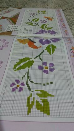 Bargello, Hand Crochet, Cross Stitch Embroidery, Book Art, Diy And Crafts, Projects To Try, Kids Rugs, Blackwork, Floral