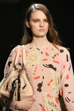 See the complete Chloé Fall 2014 Ready-to-Wear collection.