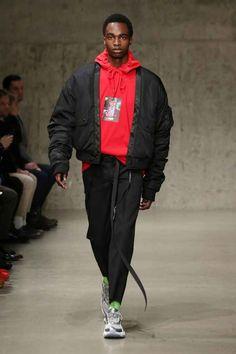 Li-Ning Fall-Winter - New York Fashion Week - Male Fashion Trends Male Fashion Trends, Sport Fashion, Trendy Fashion, Fashion Fall, Fashion Styles, Fashion Guide, Street Fashion, Latest Fashion, High Fashion