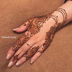 this is female half hand mehndi design New Henna Designs, Rose Mehndi Designs, Finger Henna Designs, Arabic Henna Designs, Legs Mehndi Design, Mehndi Designs 2018, Modern Mehndi Designs, Mehndi Design Pictures, Beautiful Mehndi Design