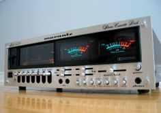 Vintage audio Marantz 5220 The company was founded by Saul Marantz in Kew Gardens New York in but is now based in Japan. Hifi Stereo, Hifi Audio, Equipment For Sale, Audio Equipment, Big Speakers, Radios, Music System, Audio Sound, Tape Recorder