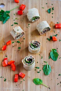 Vegetarian Pesto & Olive Roll-Ups. Surprise your family or guests with these fun vegetarian olive and pesto pizza roll-ups. Theyre great for snacking! Vegetarian Pesto, Vegetarian Recipes, Healthy Recipes, Healthy Habits, Healthy Meals, Healthy Food, Appetizer Dips, Appetizer Recipes, Dolce Gusto