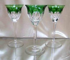 3 Überfanggläser, wahrscheinlich Moser Model Cromwell Kristall, Kunstglas, grün