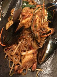 """이색 음식이 먹고 싶을 때~!!  몸은 서울에 있지만 태국으로 뿅! 데려다 주는 태국식당에 다녀왔어요ㅎㅎ    태국음식은 달고, 짜고, 맵고... 한국인의 입맛에도 이질감없이 잘 맞다고 하죠??  그 중에서도 한국인이 가장 좋아한: S KOREANS MOST FAVOR FOREIGN FOODS """" THAILAND """""""