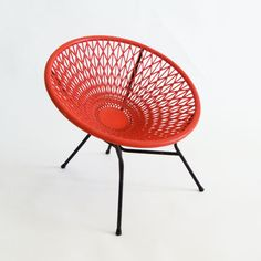 My favorite things: Wire and lounge chairs