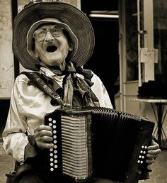 Happy people sing. This is just sooo cute, I had to share. Just makes you smile!!!