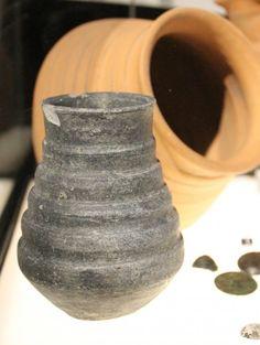 birka ceramic drinking vessel
