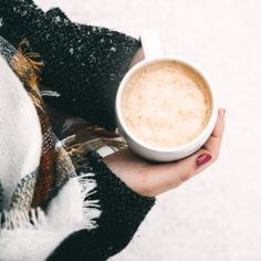 10 Cold Weather Clothing Hacks You Need to Try This Year Fog's in the air, cold breezes are starting up, snow is just around the corner (or already there!) and there's no doubt… Weight Loss Drinks, Best Weight Loss, Lose Weight, Coffee Break, Morning Coffee, Barista, So Girly Blog, Pause Café, Tips