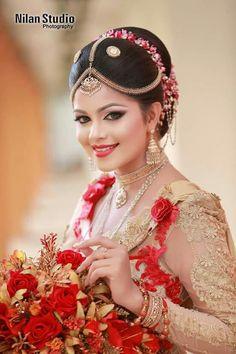 Bridal Sari, Saree Wedding, Wedding Bride, Bridal Dresses, Hindu Bride, Indian Bridal Fashion, Indian Wedding Photography, Indian Beauty, Beautiful Bride