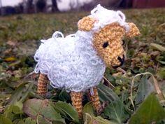 oveja tamaño llavero creada por mi. #juguete #amigurumi #llavero #crochet