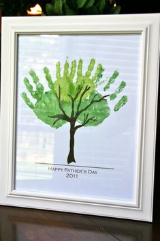Fathers day hand tree #crafts #fathersday- I like these father's day ideas for any special day.
