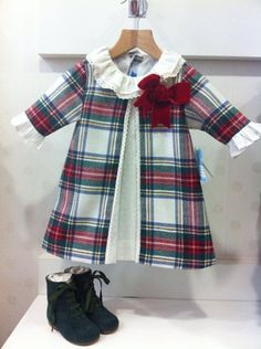 Vestido escocés BC                                                                                                                                                                                 Más Sewing Kids Clothes, Baby Kids Clothes, Baby Sewing, Frocks For Girls, Little Girl Dresses, Baby Girl Dress Patterns, Baby Dress, Country Dresses, Toddler Girl Style