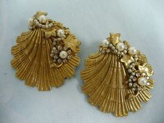 PAIR OF VINTAGE MIRIAM HASKELL SHELL SHAPED BROOCHES w/PEARLS & RHINESTONES #MiriamHaskell