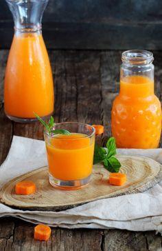 Empezamos el lunes llenos de vitaminas con este zumo de naranja y zanahoria, antioxidante y lleno de vitamina C.             Ingredientes...