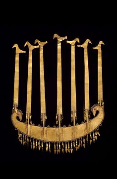 Mid-late C Indonesia: Lesser Sunda Islands flores crown; hammered and repousse gold. Gems Jewelry, Tribal Jewelry, Jewelery, Ancient Jewelry, Antique Jewelry, Vintage Jewelry, Javanese, Royal Jewels, Tiaras And Crowns