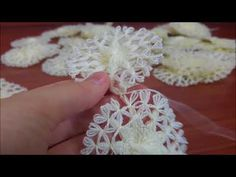 YouTube Teneriffe, Needle Tatting, Needle Lace, Hardanger Embroidery, Hand Embroidery, Loom Flowers, Round Loom, Loom Knitting, Crochet Lace