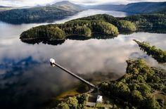 Sur le lac Saint Clair, dans lazonede nature sauvage de Tasmanie, Pumphouse Pointa été construit dans le cadre du régime hydro-électrique de Tasmanie. Dans les années 1940 ila été utilisé penda...