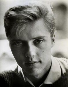 Christopher Walken... looking like a male version of Scarlett Johansson...