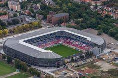 Estadio Ernest Pohl (en polaco, Stadion im. Ernesta Pohla), también conocido como estadio Górnik Zabrze, es un estadio de fútbol ubicado en Zabrze, Polonia. Capacidad 24.413 espectadores, siendo el estadio en el que disputa sus partidos el Górnik Zabrze.