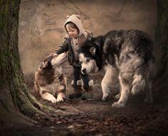 Fotógrafa russa regista convívio de crianças e animais em belas paisagens