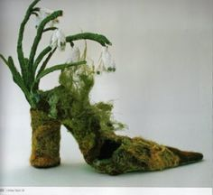 Snowdrop Shoe. Free machine embroidery. Lindsay Taylor