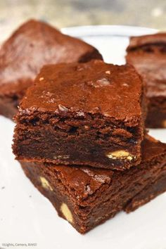 Super chewy, fudgy and dense chocolate brownies using condensed milk as the base. Chocolate Condensed Milk Recipe, Recipes Using Condensed Milk, Condensed Milk Desserts, Condensed Milk Uses, Condensed Milk Biscuits, Brownie Recipe Using Sweetened Condensed Milk, Fudgy Brownie Recipe, Chewy Brownies, Chocolate Brownies