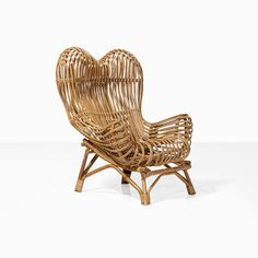 Franco Albini (1905-1977) Gala Fauteuil Rotin Edition Vittorio Bonacina Date de création : 1951 H 101 × L 90 × P 90 cm Bibliographie : - Giuliana Gramigna, Repertorio del Design Italiano 1950-2000 per l'arredamento domestico, volume 1, édition Allemandi & C., Turin, 2003, p. 17 et 24 #piasa_auction #piasa #design #auction #architecture #italiandesign #italy #furniture #light #Interiordesign #paris #parisauction #collectors #youngcollectors
