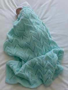 Avec tuto Ravelry: Arches Baby Blanket pattern by LJM Designs Free Baby Blanket Patterns, Crochet Blanket Patterns, Baby Knitting Patterns, Baby Blanket Crochet, Baby Patterns, Crochet Baby, Baby Hat And Mittens, Baby Hats Knitting, Free Knitting